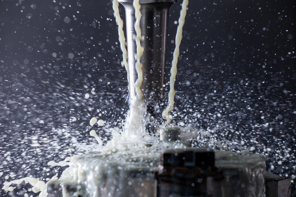 How to Choose the Best Coolant Delivery System for CNC Operations